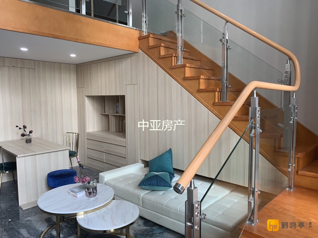 创客城 5.4米挑高 准现房 有天然气 有阳台 挑高二层