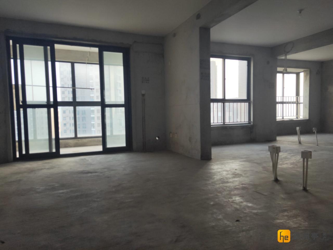 万达广场附近西城逸品三室二厅双卫双阳台南北通透129平