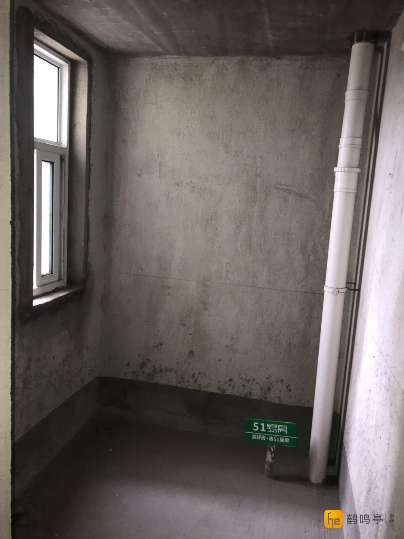 城东 高教公寓毛坯2室2厅仅售80万送车库 5楼