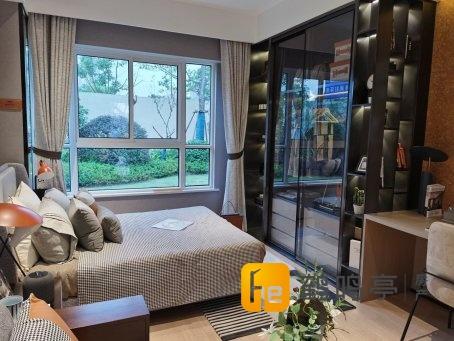新弄里旁中南世纪城公寓54平方37万单价6999