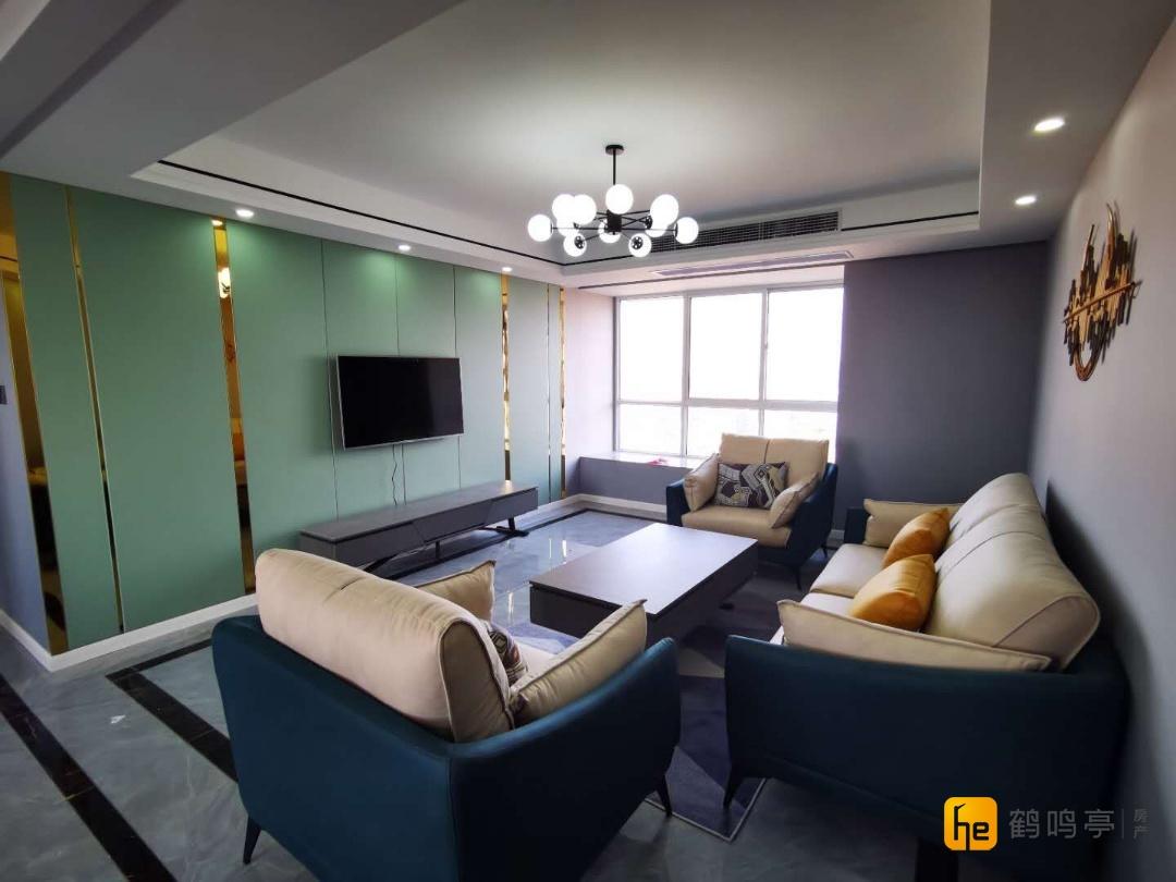 青年路高架旁万达附近西城逸品豪华装修3室2厅2卫169.8万