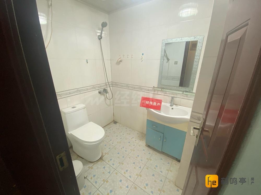国飞尚城电梯房小公寓清爽装修拎包即住满两年