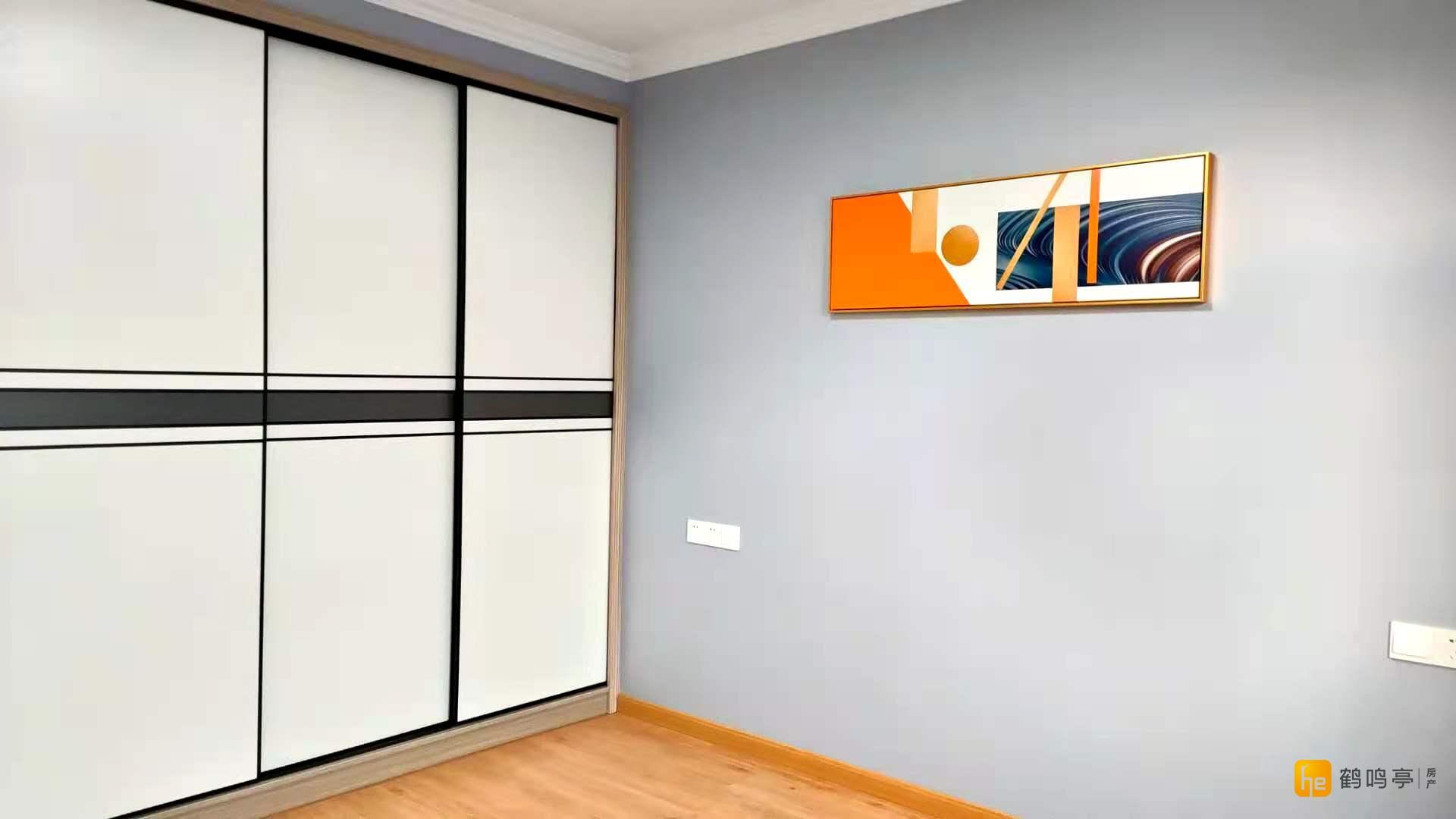 北盐中学区房 沙井头5楼86平送车库8平方精装吉房出售