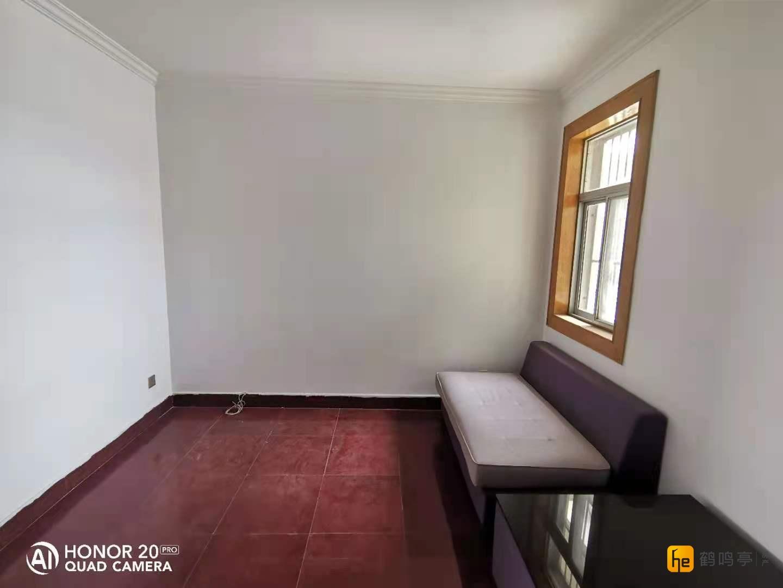 北盐中家属区 2房可以改3房 精装修