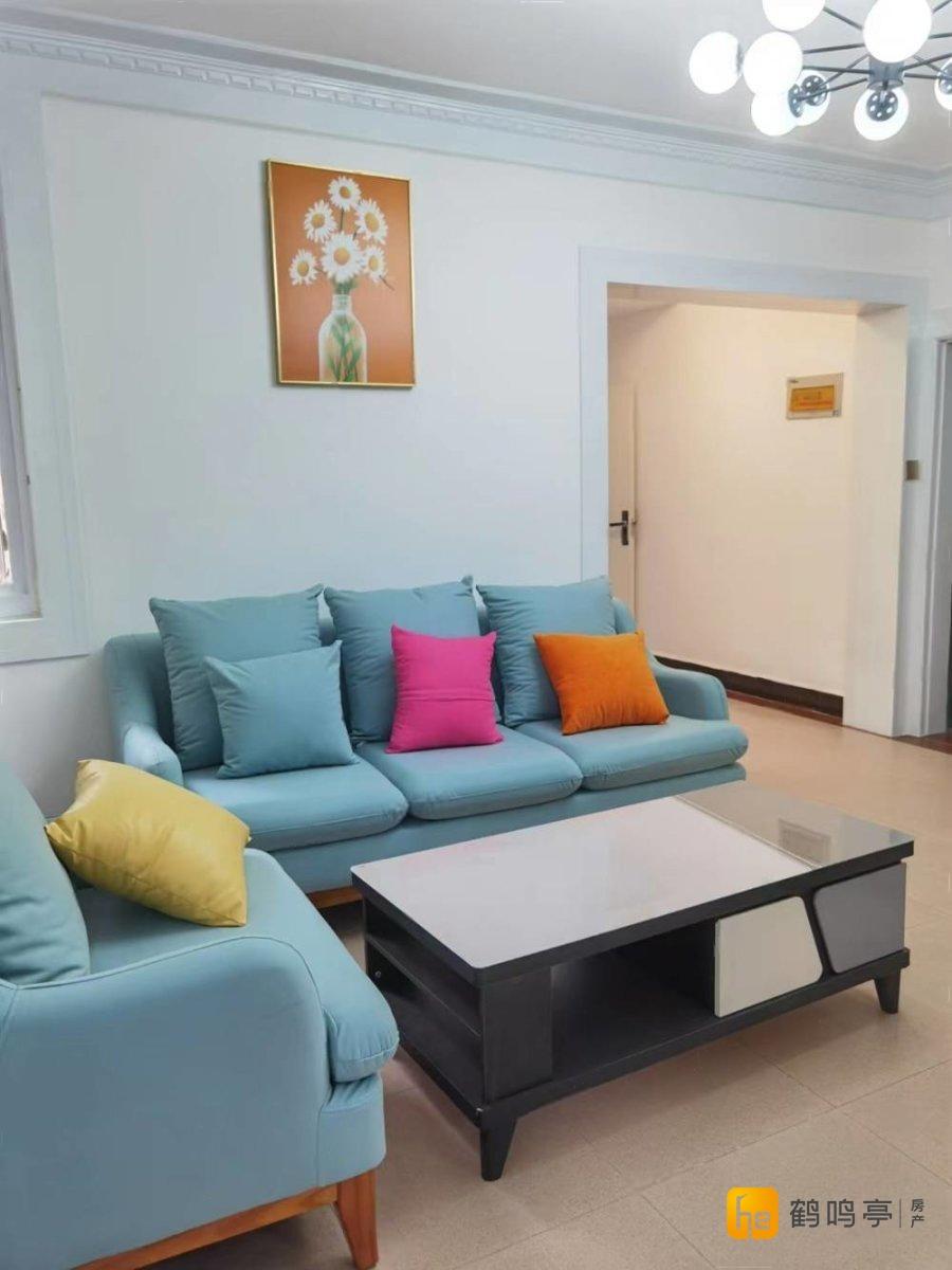 悦达嘉园附近亨达公寓 精装修整三室 一楼带院子 拎包入住